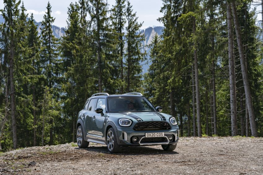 2020 F60 MINI Countryman facelift – cleaner engines, more standard kit, new displays, black exterior trim Image #1122075