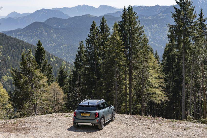 2020 F60 MINI Countryman facelift – cleaner engines, more standard kit, new displays, black exterior trim Image #1122081