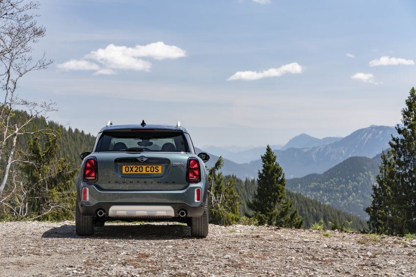 2020 F60 MINI Countryman facelift – cleaner engines, more standard kit, new displays, black exterior trim Image #1122083