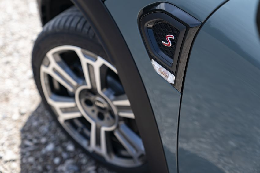 2020 F60 MINI Countryman facelift – cleaner engines, more standard kit, new displays, black exterior trim Image #1122099