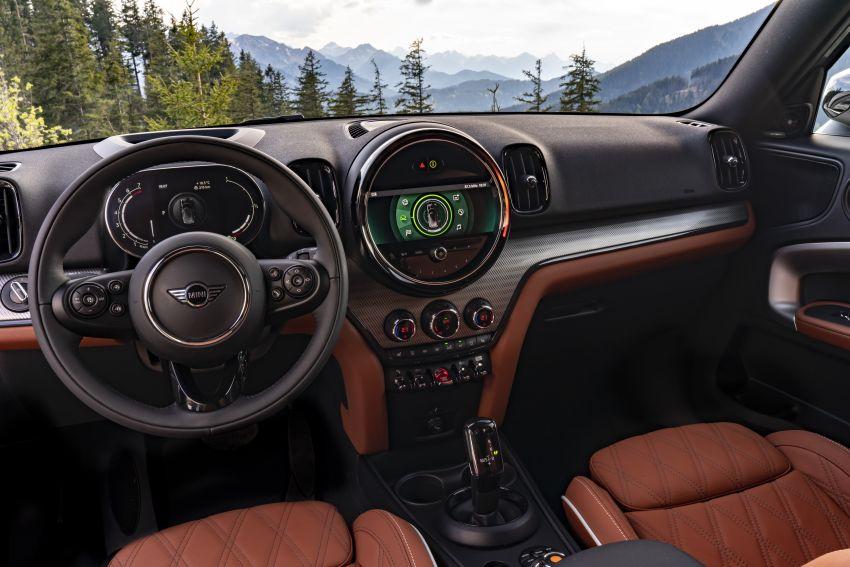 2020 F60 MINI Countryman facelift – cleaner engines, more standard kit, new displays, black exterior trim Image #1122102
