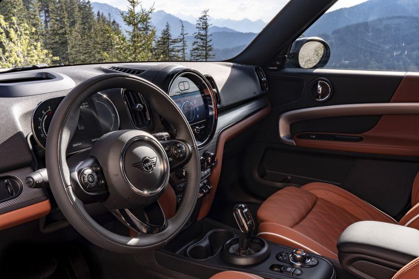 2020 F60 MINI Countryman facelift – cleaner engines, more standard kit, new displays, black exterior trim Image #1122103