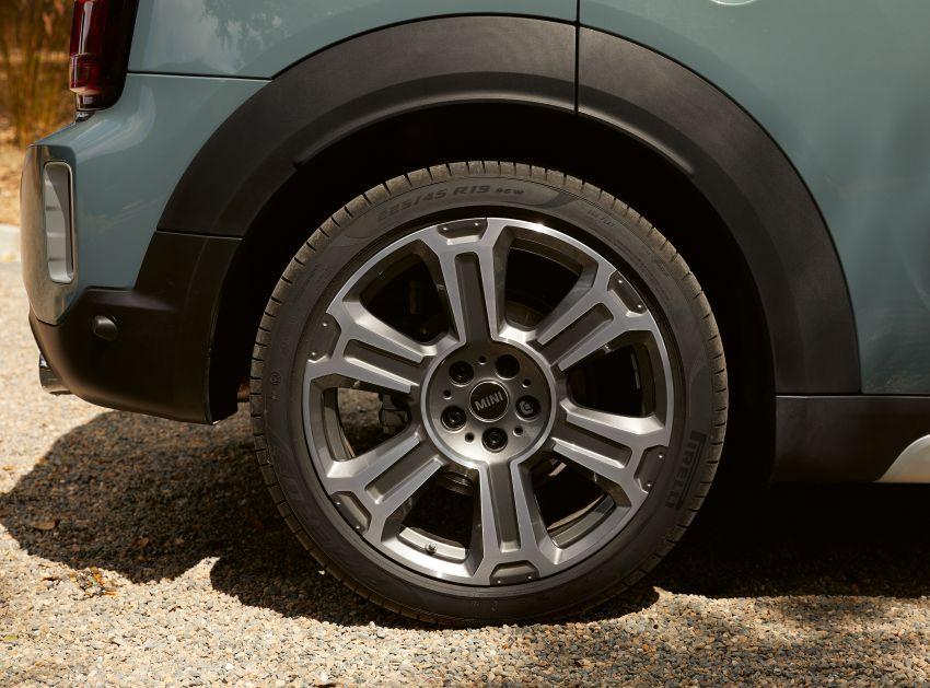 2020 F60 MINI Countryman facelift – cleaner engines, more standard kit, new displays, black exterior trim Image #1122116