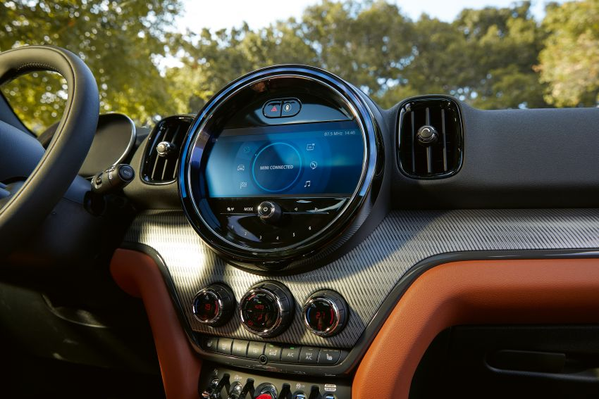 2020 F60 MINI Countryman facelift – cleaner engines, more standard kit, new displays, black exterior trim Image #1122123
