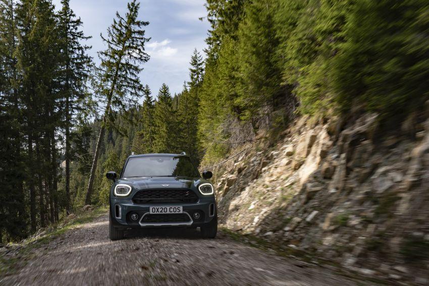 2020 F60 MINI Countryman facelift – cleaner engines, more standard kit, new displays, black exterior trim Image #1122048