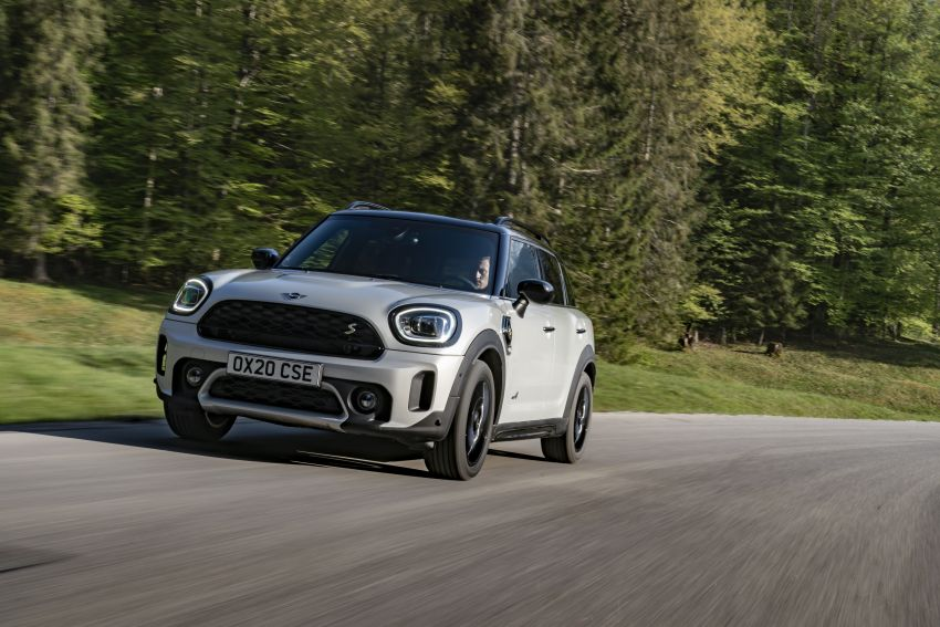 2020 F60 MINI Countryman facelift – cleaner engines, more standard kit, new displays, black exterior trim Image #1122137
