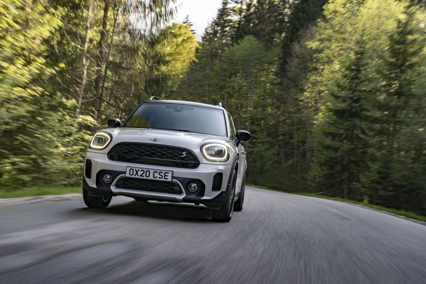 2020 F60 MINI Countryman facelift – cleaner engines, more standard kit, new displays, black exterior trim Image #1122138