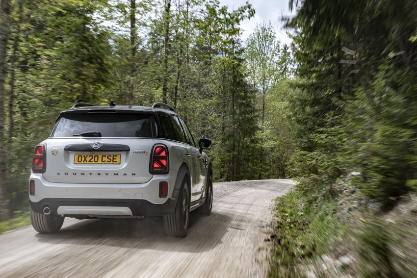 2020 F60 MINI Countryman facelift – cleaner engines, more standard kit, new displays, black exterior trim Image #1122144