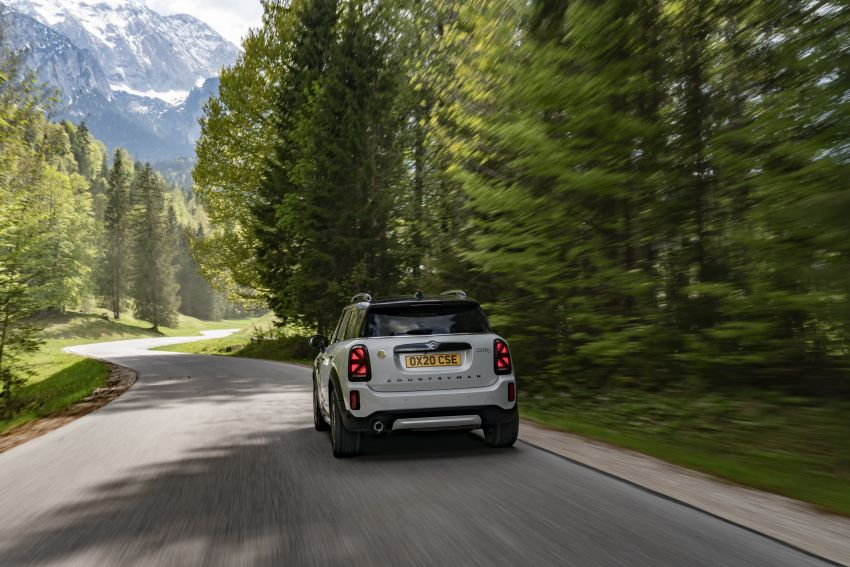 2020 F60 MINI Countryman facelift – cleaner engines, more standard kit, new displays, black exterior trim Image #1122147