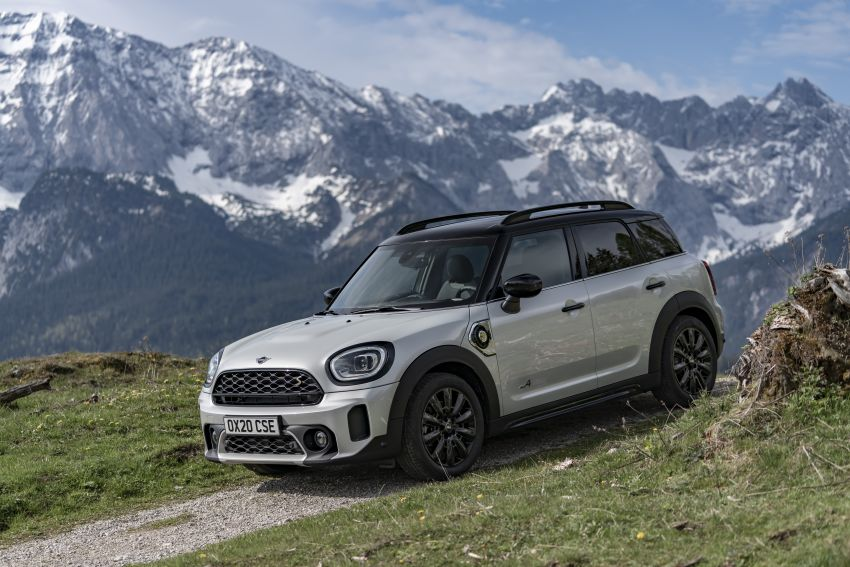 2020 F60 MINI Countryman facelift – cleaner engines, more standard kit, new displays, black exterior trim Image #1122157