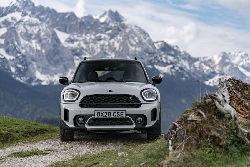 2020 F60 MINI Countryman facelift – cleaner engines, more standard kit, new displays, black exterior trim Image #1122158