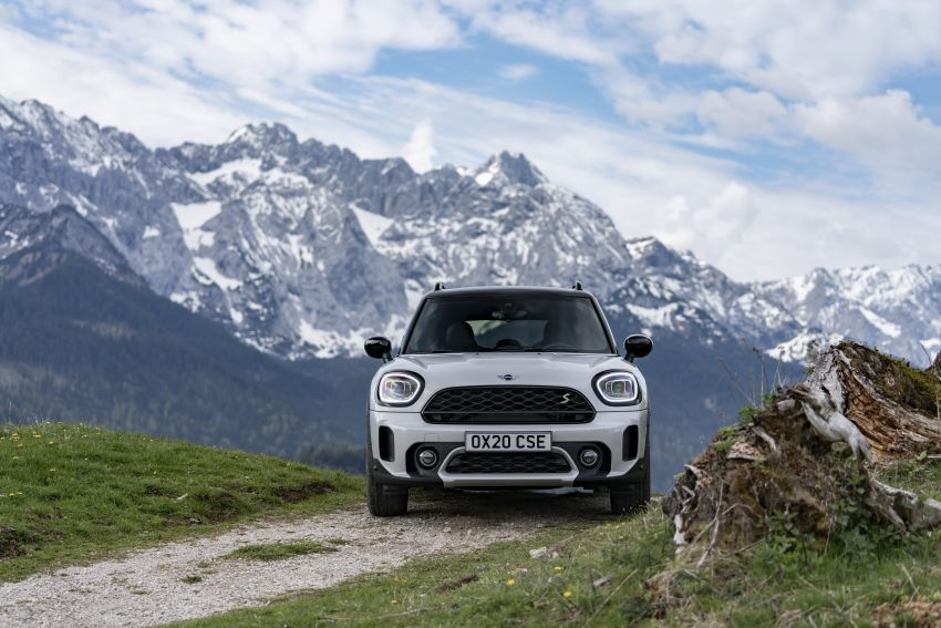 2020 F60 MINI Countryman facelift – cleaner engines, more standard kit, new displays, black exterior trim Image #1122159
