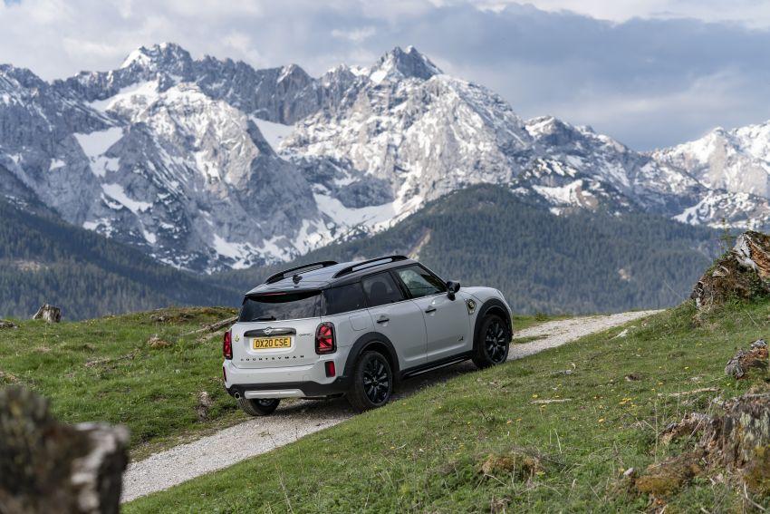 2020 F60 MINI Countryman facelift – cleaner engines, more standard kit, new displays, black exterior trim Image #1122166