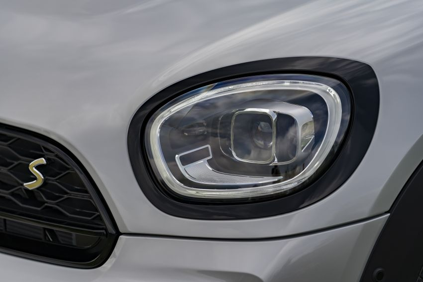 2020 F60 MINI Countryman facelift – cleaner engines, more standard kit, new displays, black exterior trim Image #1122172