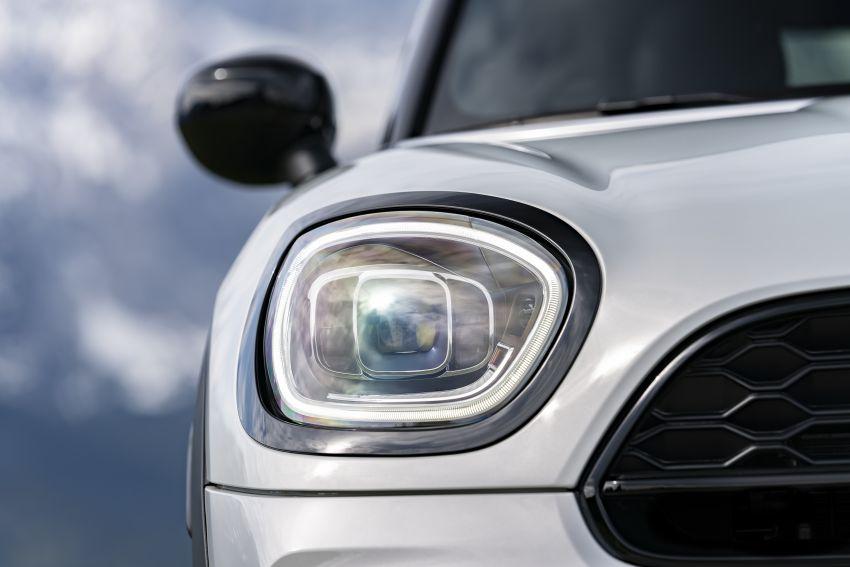 2020 F60 MINI Countryman facelift – cleaner engines, more standard kit, new displays, black exterior trim Image #1122174