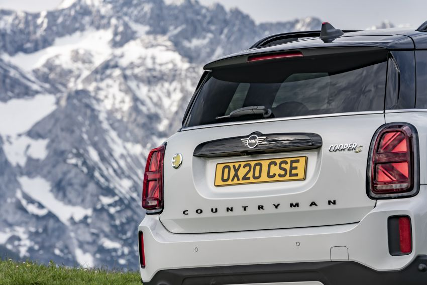 2020 F60 MINI Countryman facelift – cleaner engines, more standard kit, new displays, black exterior trim Image #1122175