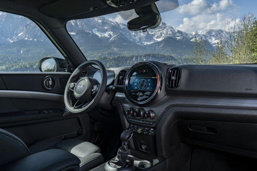 2020 F60 MINI Countryman facelift – cleaner engines, more standard kit, new displays, black exterior trim Image #1122181