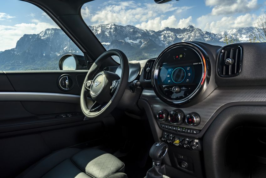 2020 F60 MINI Countryman facelift – cleaner engines, more standard kit, new displays, black exterior trim Image #1122185