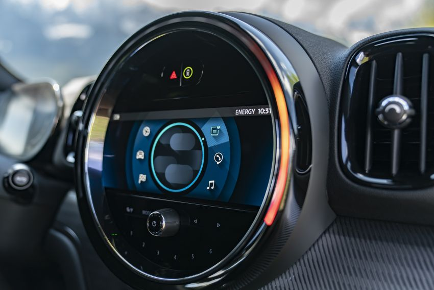 2020 F60 MINI Countryman facelift – cleaner engines, more standard kit, new displays, black exterior trim Image #1122187