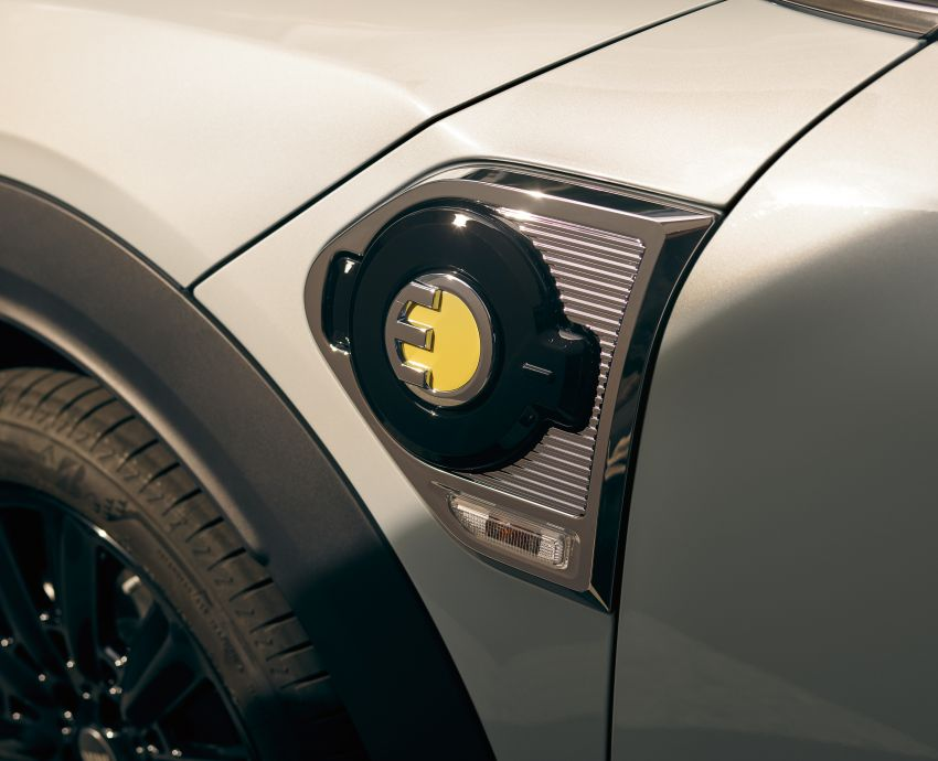 2020 F60 MINI Countryman facelift – cleaner engines, more standard kit, new displays, black exterior trim Image #1122195