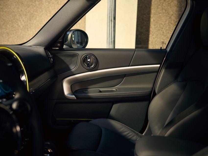 2020 F60 MINI Countryman facelift – cleaner engines, more standard kit, new displays, black exterior trim Image #1122201
