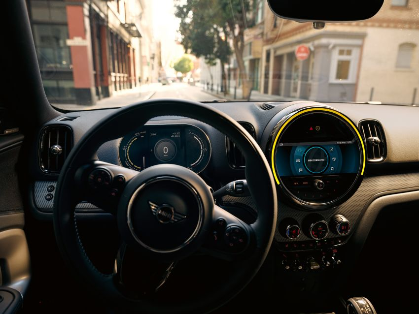 2020 F60 MINI Countryman facelift – cleaner engines, more standard kit, new displays, black exterior trim Image #1122202