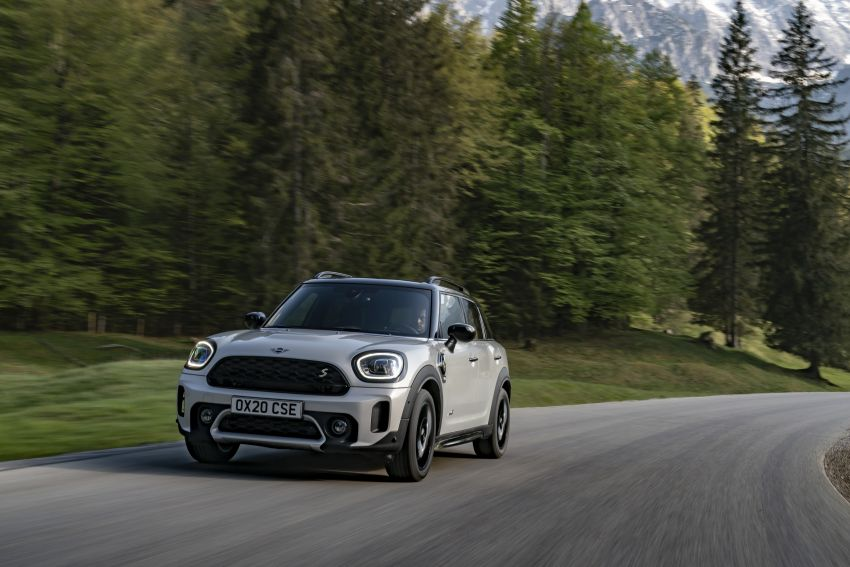 2020 F60 MINI Countryman facelift – cleaner engines, more standard kit, new displays, black exterior trim Image #1122135