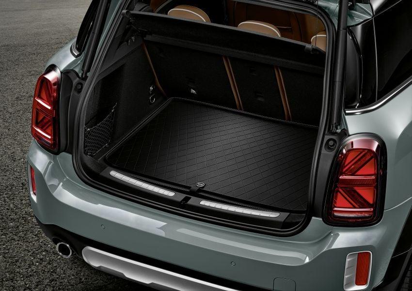 2020 F60 MINI Countryman facelift – cleaner engines, more standard kit, new displays, black exterior trim Image #1122220