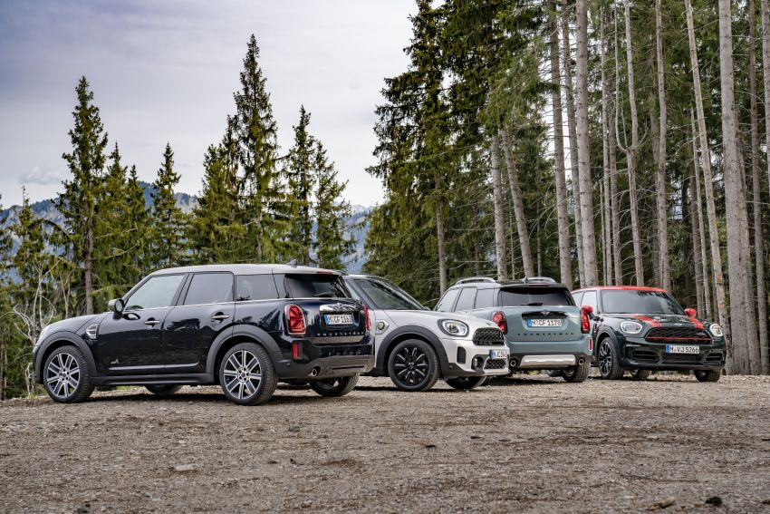 2020 F60 MINI Countryman facelift – cleaner engines, more standard kit, new displays, black exterior trim Image #1122209
