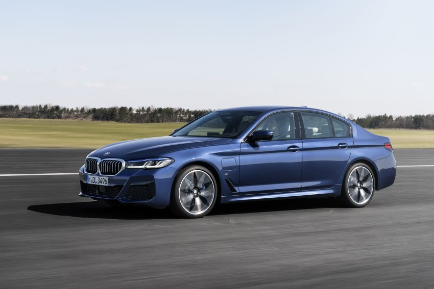 2021 BMW 5 Series facelift revealed – G30 LCI gets new looks, powertrains, 545e xDrive plug-in hybrid Image #1121849
