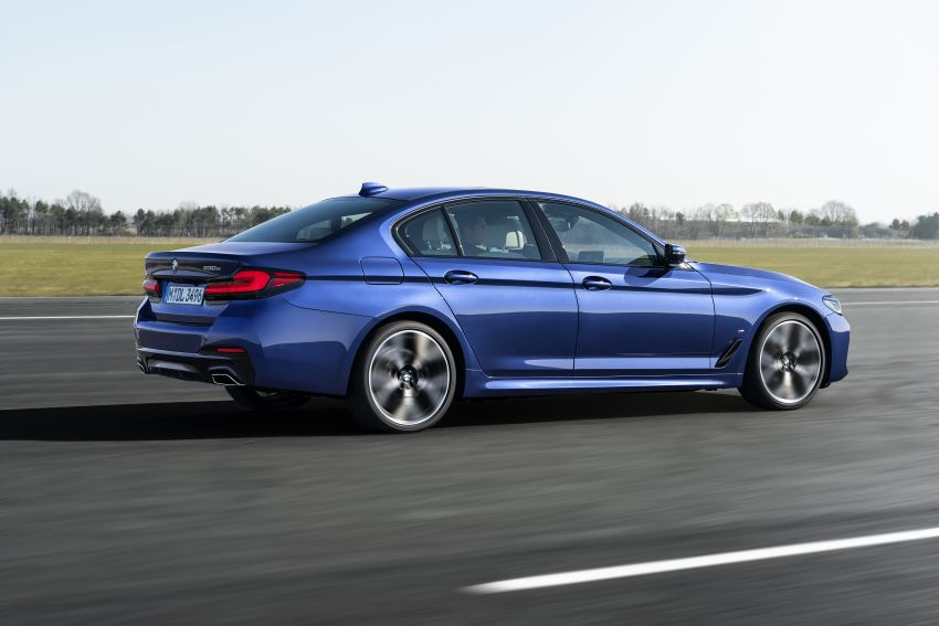 2021 BMW 5 Series facelift revealed – G30 LCI gets new looks, powertrains, 545e xDrive plug-in hybrid Image #1121855