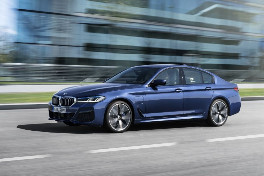 2021 BMW 5 Series facelift revealed – G30 LCI gets new looks, powertrains, 545e xDrive plug-in hybrid Image #1121841
