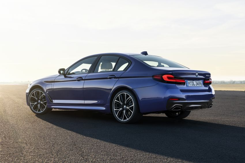 2021 BMW 5 Series facelift revealed – G30 LCI gets new looks, powertrains, 545e xDrive plug-in hybrid Image #1121842