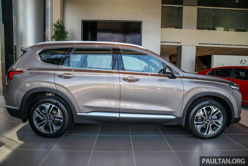 GALLERY: 2020 Hyundai Santa Fe with third-row vents Image #1120032