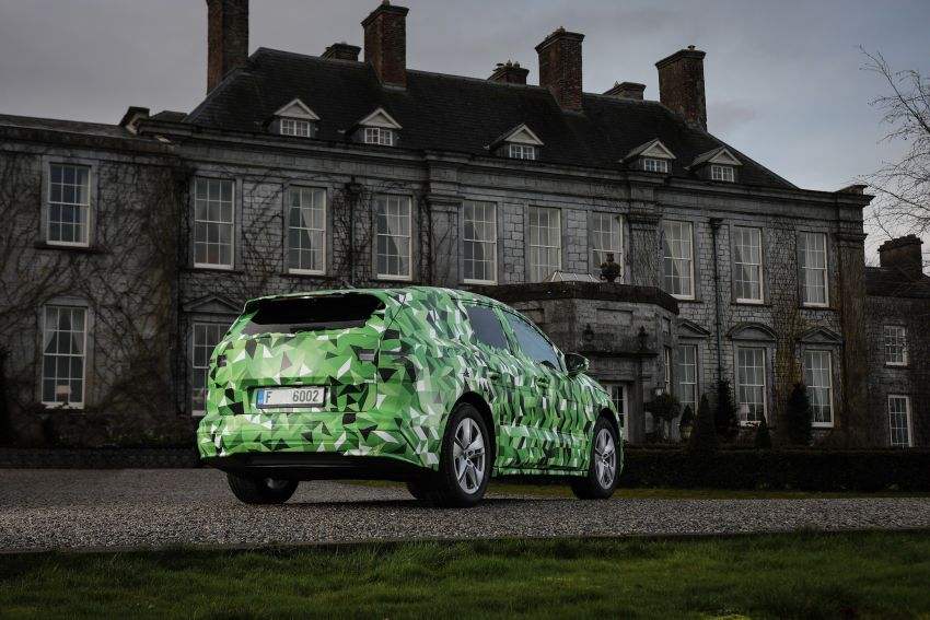 Skoda Enyaq iV teased – electric SUV with 500 km range; 302 hp RS gets from 0-100 km/h in 6.2 secs Image #1115961