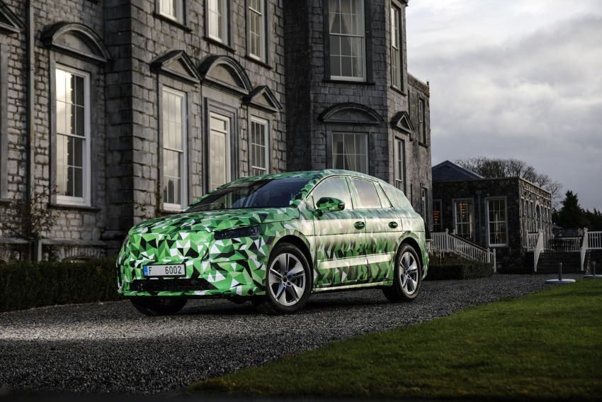 Skoda Enyaq iV teased – electric SUV with 500 km range; 302 hp RS gets from 0-100 km/h in 6.2 secs Image #1115962