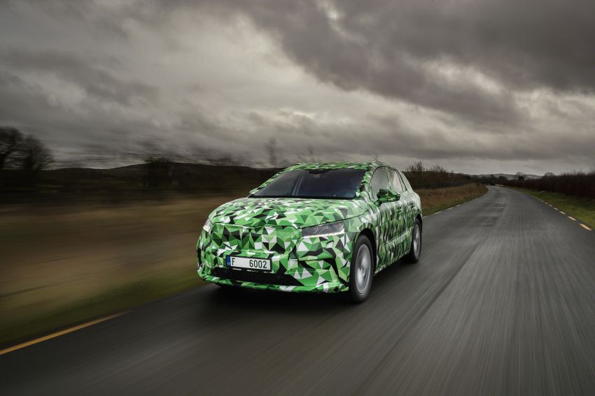 Skoda Enyaq iV teased – electric SUV with 500 km range; 302 hp RS gets from 0-100 km/h in 6.2 secs Image #1115973