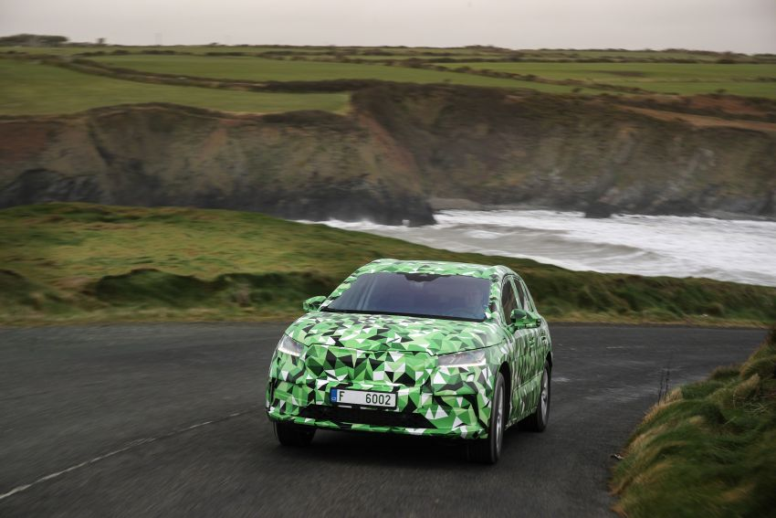 Skoda Enyaq iV teased – electric SUV with 500 km range; 302 hp RS gets from 0-100 km/h in 6.2 secs Image #1115978