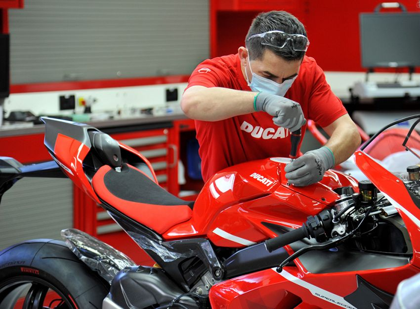 2020 Ducati Superleggera V4 production begins – 226 hp, 159 kg dry weight, only 500 to be made Image #1132682