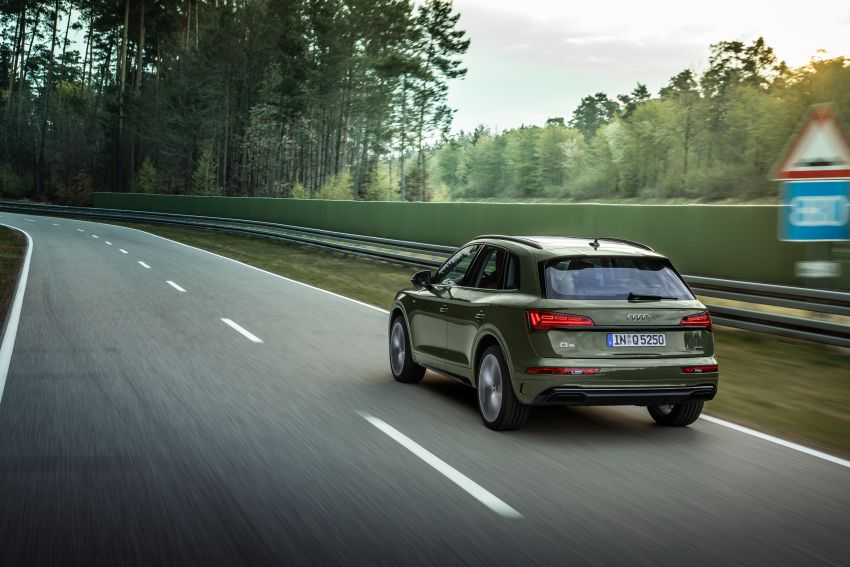 2020 Audi Q5 facelift debuts – updated styling; MIB3 infotainment system; mild hybrid, PHEV powertrains Image #1137792