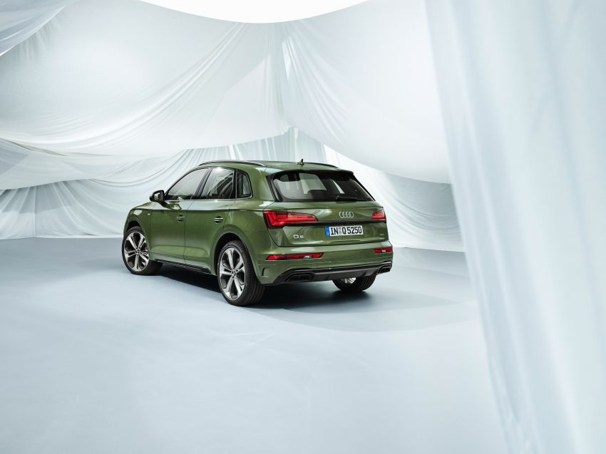 2020 Audi Q5 facelift debuts – updated styling; MIB3 infotainment system; mild hybrid, PHEV powertrains Image #1137849