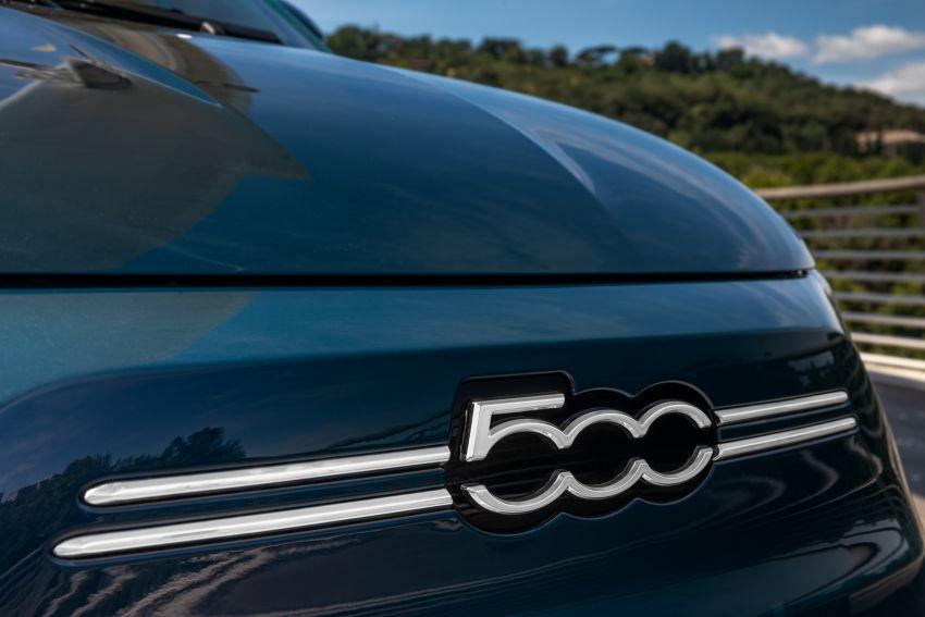 2020 Fiat 500 – EV now available as hardtop hatchback Image #1130043