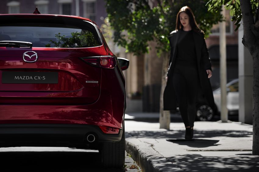 2020 Mazda CX-5 in Europe – new Polymetal Grey, cylinder deactivation, improved refinement and safety Image #1133991