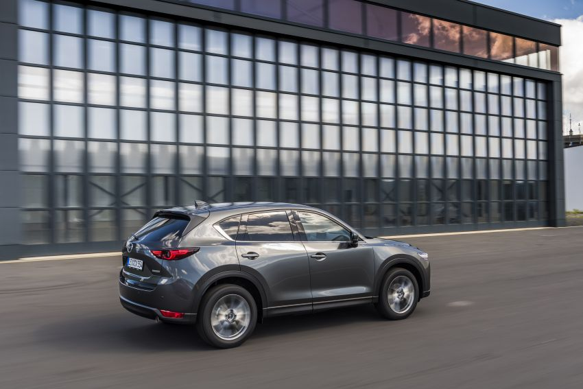 2020 Mazda CX-5 in Europe – new Polymetal Grey, cylinder deactivation, improved refinement and safety Image #1137490