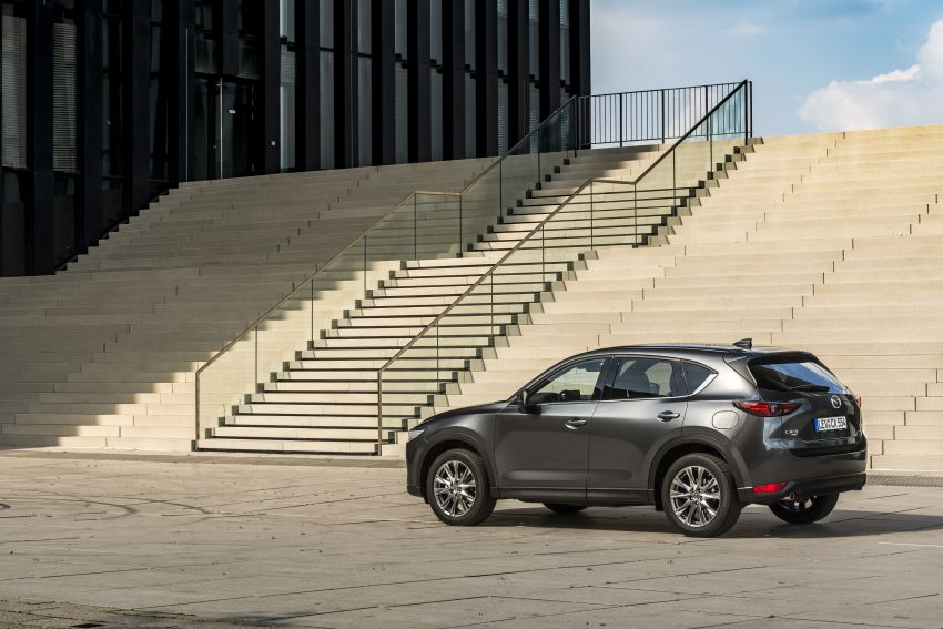 2020 Mazda CX-5 in Europe – new Polymetal Grey, cylinder deactivation, improved refinement and safety Image #1137508