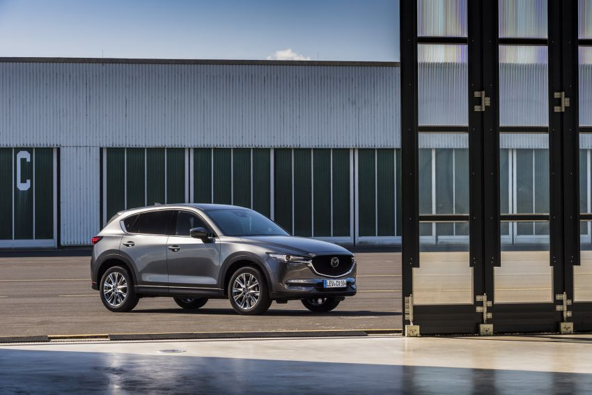 2020 Mazda CX-5 in Europe – new Polymetal Grey, cylinder deactivation, improved refinement and safety Image #1137510