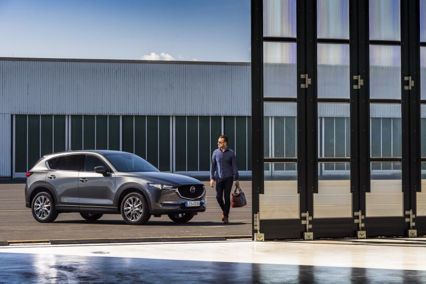 2020 Mazda CX-5 in Europe – new Polymetal Grey, cylinder deactivation, improved refinement and safety Image #1137511