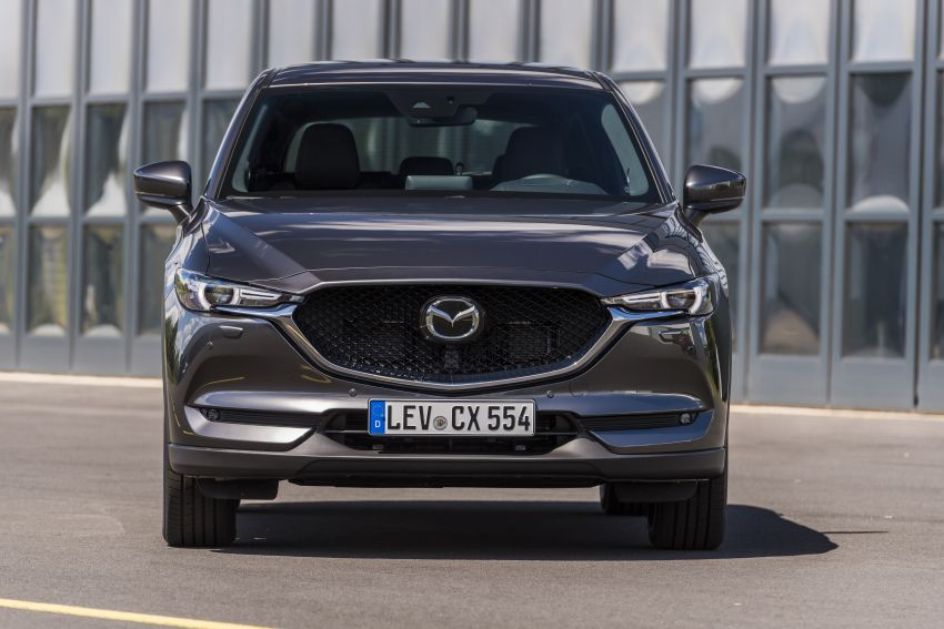 2020 Mazda CX-5 in Europe – new Polymetal Grey, cylinder deactivation, improved refinement and safety Image #1137513