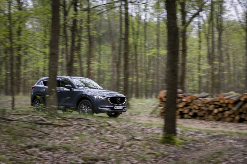 2020 Mazda CX-5 in Europe – new Polymetal Grey, cylinder deactivation, improved refinement and safety Image #1137624