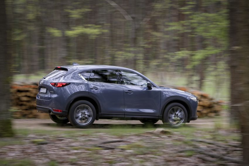 2020 Mazda CX-5 in Europe – new Polymetal Grey, cylinder deactivation, improved refinement and safety Image #1137627